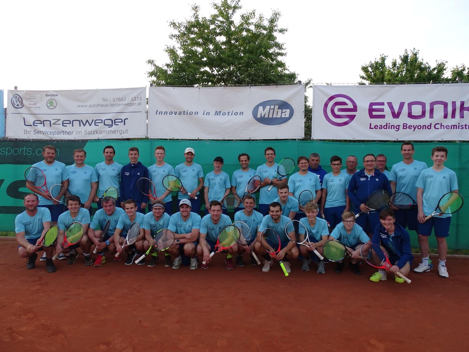 Tennisclub Kammer mit neuen Dressen ausgestattet!